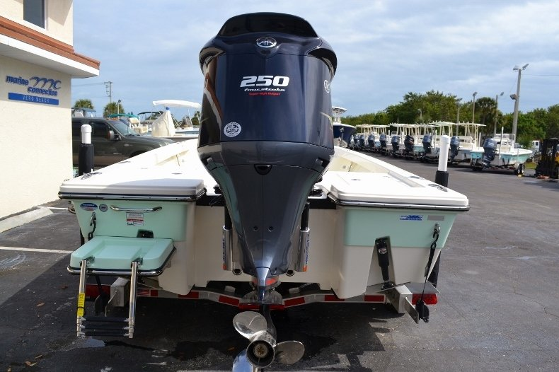 Thumbnail 5 for New 2016 Pathfinder 2200 Tournament Edition boat for sale in Vero Beach, FL