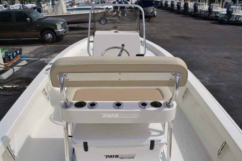 Thumbnail 10 for New 2016 Pathfinder 2200 Tournament Edition boat for sale in Vero Beach, FL