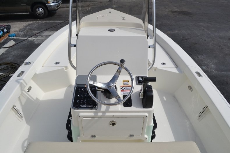 Thumbnail 11 for New 2016 Pathfinder 2200 Tournament Edition boat for sale in Vero Beach, FL