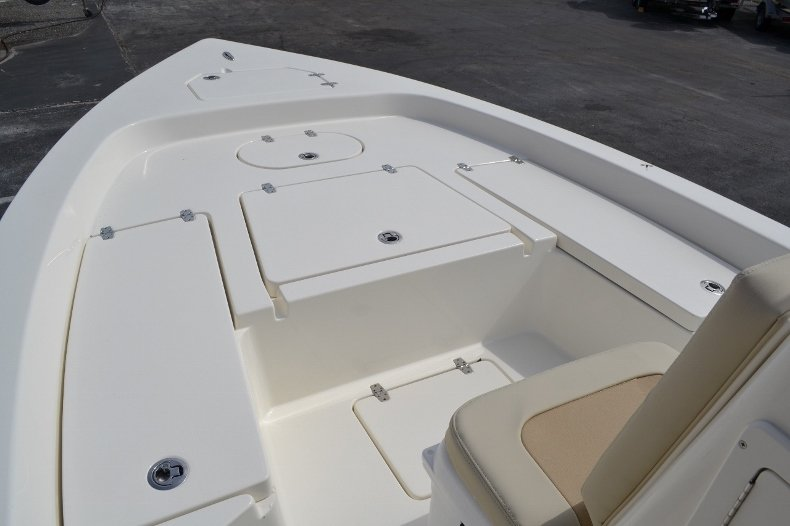 Thumbnail 12 for New 2016 Pathfinder 2200 Tournament Edition boat for sale in Vero Beach, FL