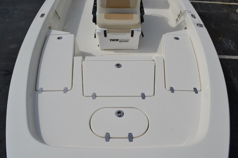 Thumbnail 14 for New 2016 Pathfinder 2200 Tournament Edition boat for sale in Vero Beach, FL