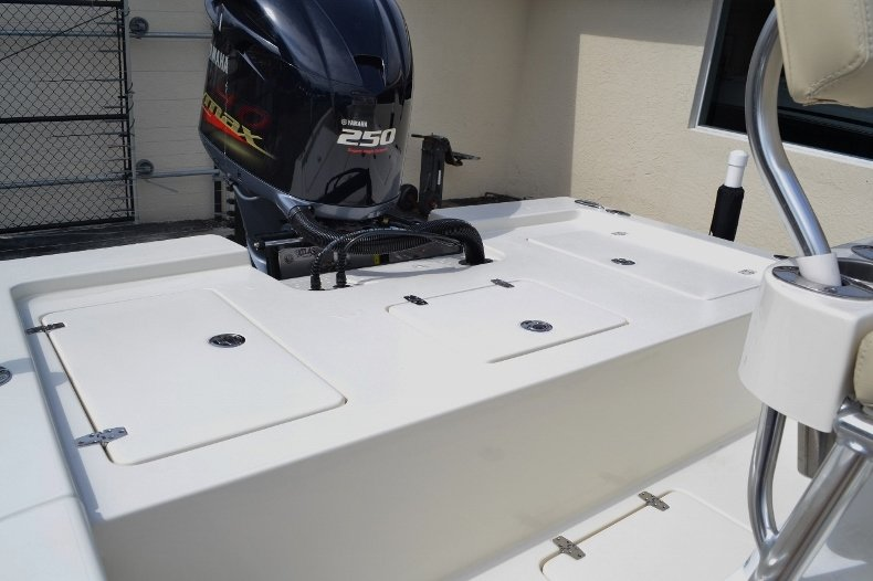 Thumbnail 18 for New 2016 Pathfinder 2200 Tournament Edition boat for sale in Vero Beach, FL