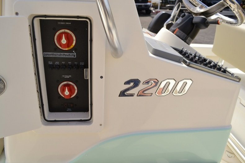 Thumbnail 22 for New 2016 Pathfinder 2200 Tournament Edition boat for sale in Vero Beach, FL