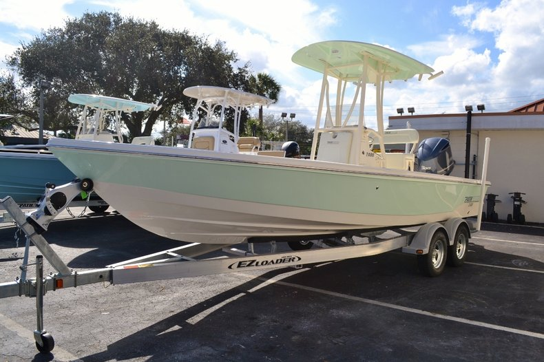 Thumbnail 3 for New 2016 Pathfinder 2400 TRS Bay Boat boat for sale in Vero Beach, FL