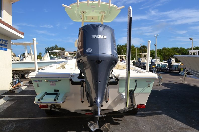 Thumbnail 5 for New 2016 Pathfinder 2400 TRS Bay Boat boat for sale in Vero Beach, FL
