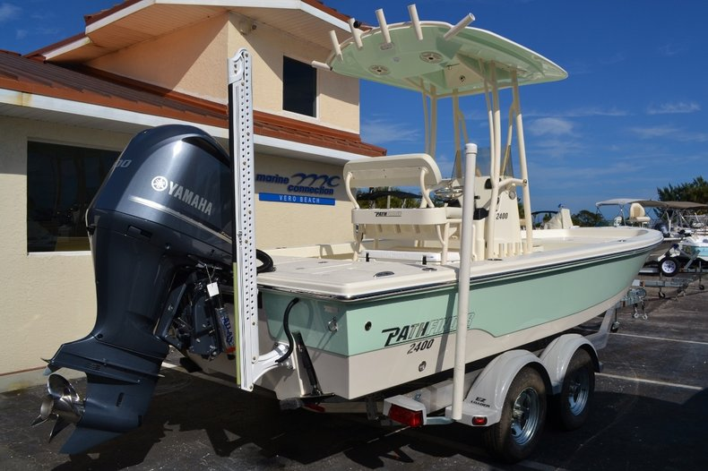 Thumbnail 6 for New 2016 Pathfinder 2400 TRS Bay Boat boat for sale in Vero Beach, FL