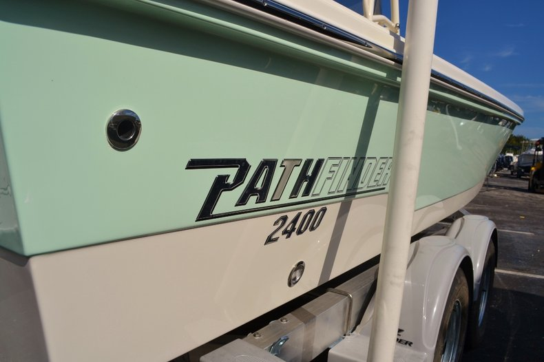 Thumbnail 7 for New 2016 Pathfinder 2400 TRS Bay Boat boat for sale in Vero Beach, FL
