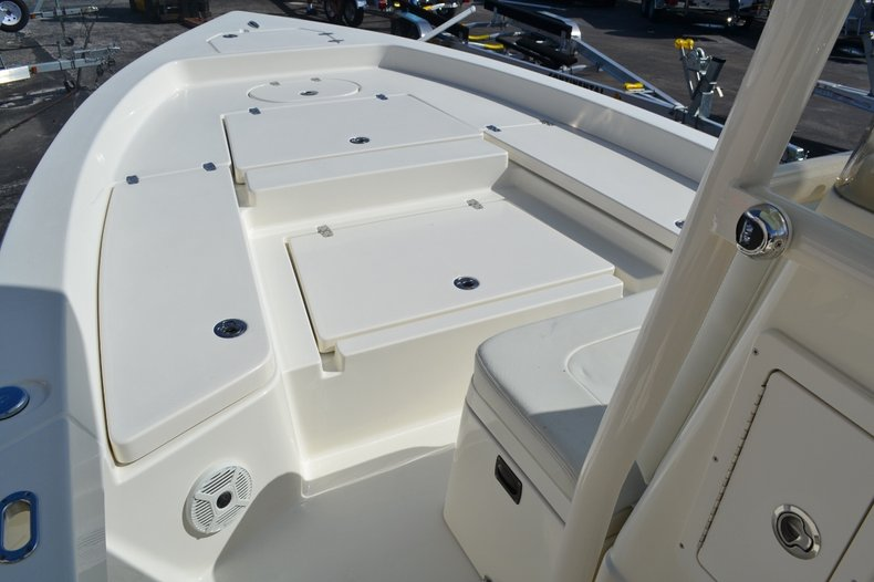 Thumbnail 12 for New 2016 Pathfinder 2400 TRS Bay Boat boat for sale in Vero Beach, FL