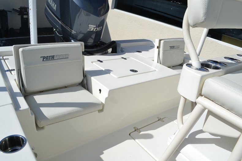 Thumbnail 16 for New 2016 Pathfinder 2400 TRS Bay Boat boat for sale in Vero Beach, FL