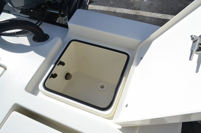 Thumbnail 20 for New 2016 Pathfinder 2400 TRS Bay Boat boat for sale in Vero Beach, FL