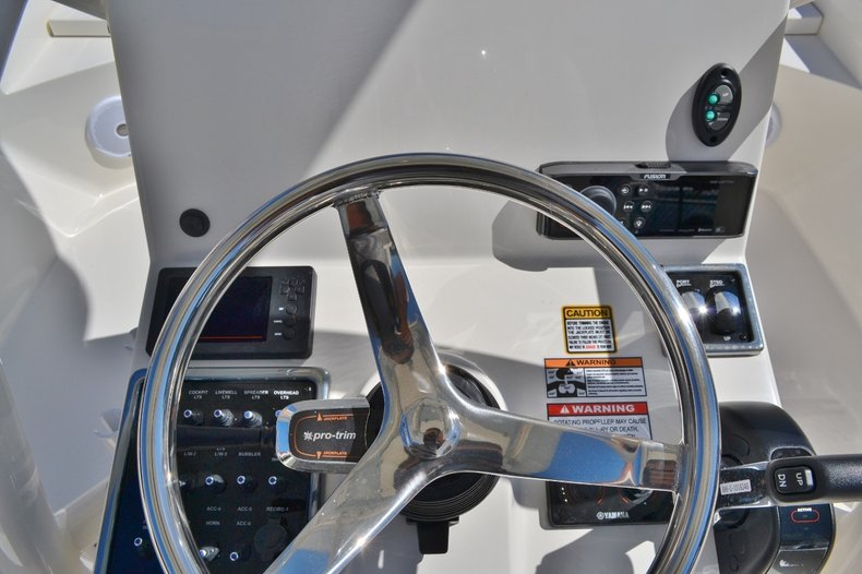 Thumbnail 11 for New 2016 Pathfinder 2600 HPS Bay Boat boat for sale in Vero Beach, FL