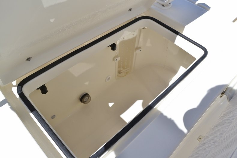 Thumbnail 21 for New 2016 Pathfinder 2600 HPS Bay Boat boat for sale in Vero Beach, FL