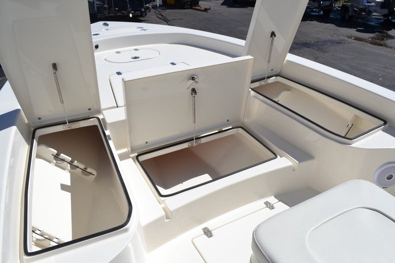 Thumbnail 25 for New 2016 Pathfinder 2600 HPS Bay Boat boat for sale in Vero Beach, FL
