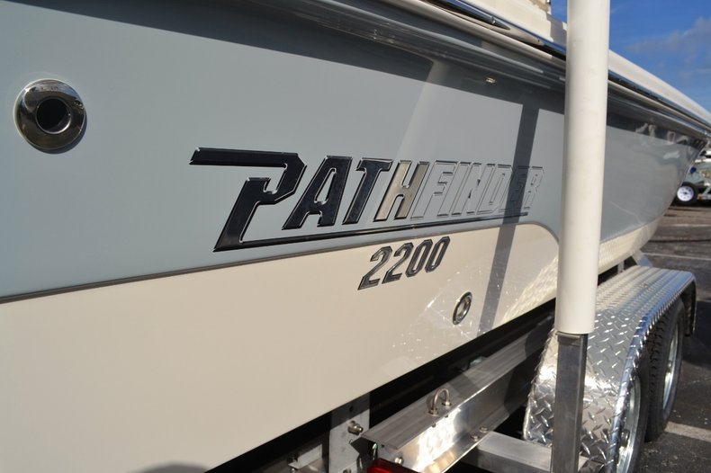 Thumbnail 7 for New 2016 Pathfinder 2200 TRS Bay Boat boat for sale in Vero Beach, FL