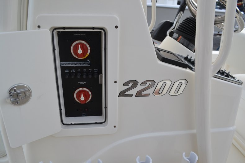 Thumbnail 25 for New 2016 Pathfinder 2200 TRS Bay Boat boat for sale in Vero Beach, FL