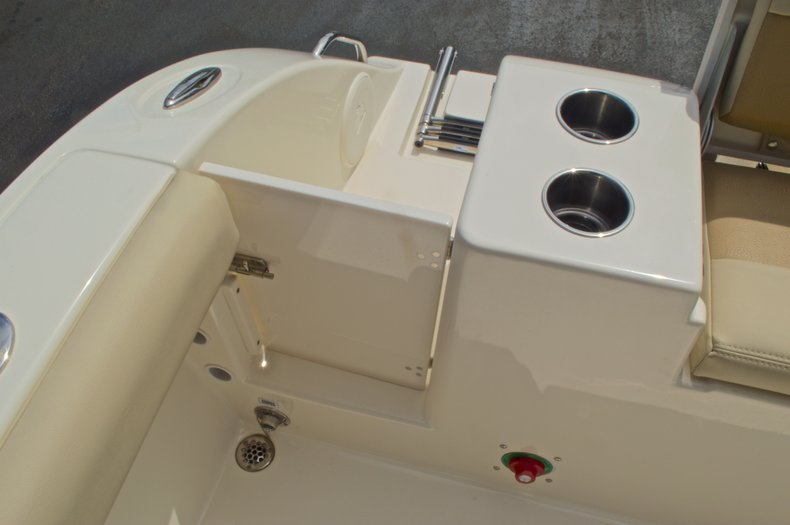 Thumbnail 20 for New 2016 Cobia 220 Center Console boat for sale in Vero Beach, FL