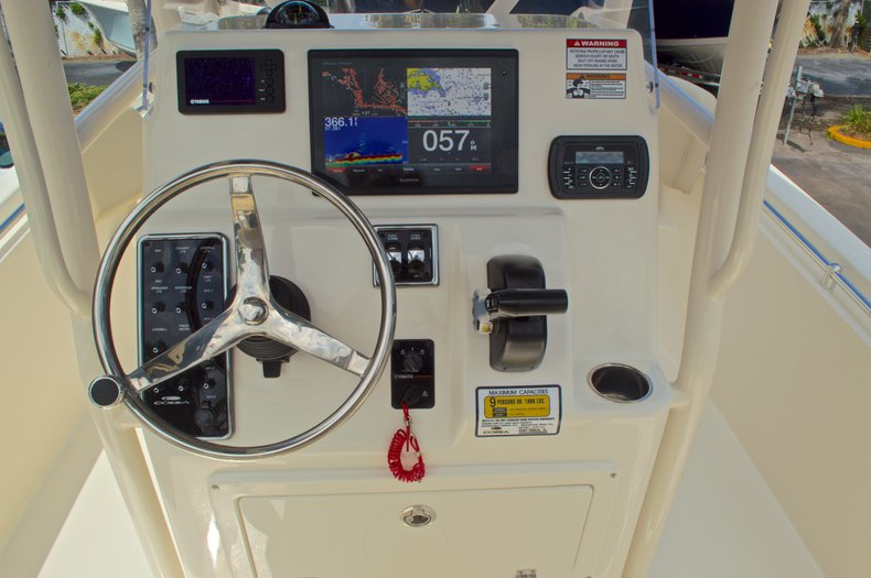 Thumbnail 28 for New 2016 Cobia 220 Center Console boat for sale in Vero Beach, FL