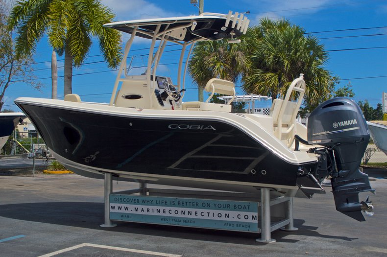Thumbnail 6 for New 2016 Cobia 220 Center Console boat for sale in Vero Beach, FL