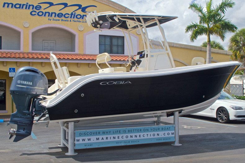 Thumbnail 8 for New 2016 Cobia 220 Center Console boat for sale in Vero Beach, FL