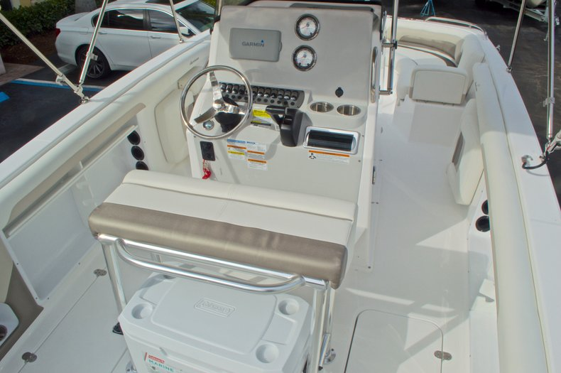 Thumbnail 9 for New 2016 Hurricane CC21 Center Console boat for sale in Vero Beach, FL