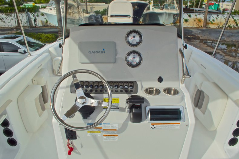 Thumbnail 29 for New 2016 Hurricane CC21 Center Console boat for sale in Vero Beach, FL