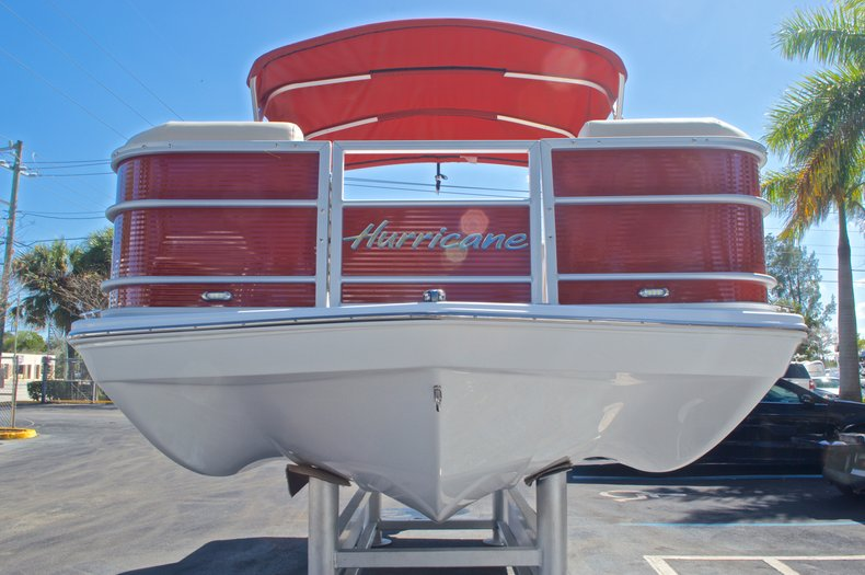 Thumbnail 3 for New 2016 Hurricane Fundeck FD 196 OB boat for sale in Vero Beach, FL