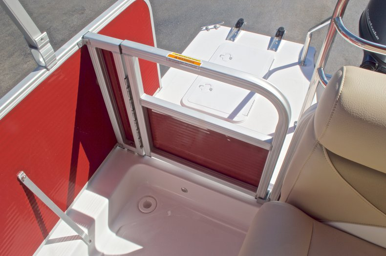 Thumbnail 12 for New 2016 Hurricane Fundeck FD 196 OB boat for sale in Vero Beach, FL