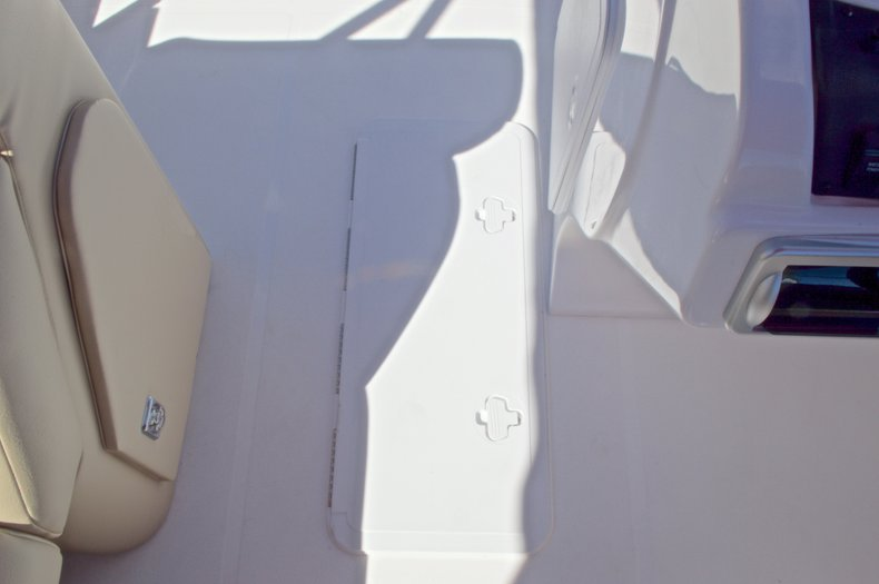 Thumbnail 46 for New 2016 Hurricane Fundeck FD 196 OB boat for sale in Vero Beach, FL