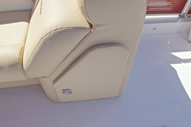 Thumbnail 28 for New 2016 Hurricane Fundeck FD 196 OB boat for sale in Vero Beach, FL