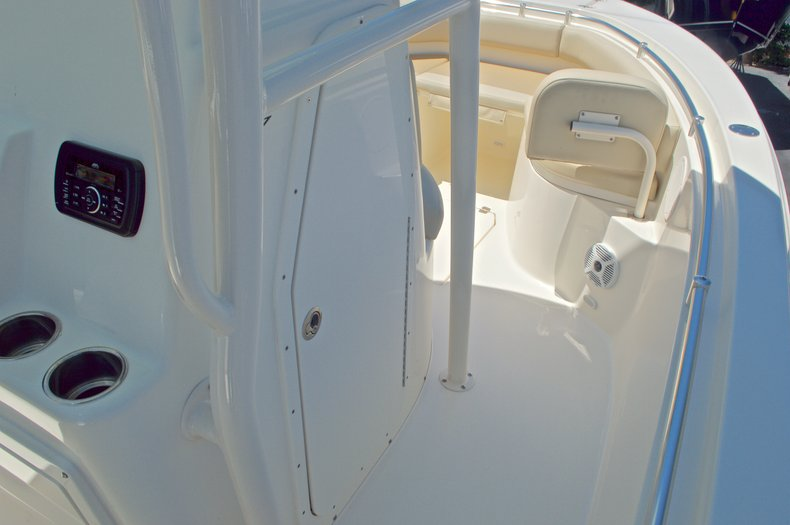 Thumbnail 37 for New 2016 Cobia 237 Center Console boat for sale in Vero Beach, FL