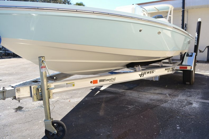 Thumbnail 24 for New 2016 Hewes 16 Redfisher boat for sale in Vero Beach, FL