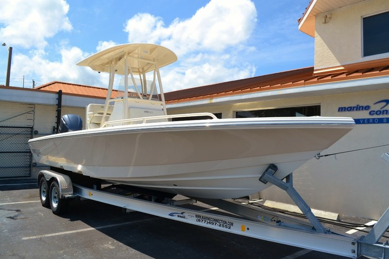 Thumbnail 1 for New 2016 Pathfinder 2600 TRS boat for sale in Vero Beach, FL