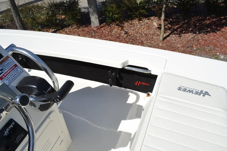 Thumbnail 12 for New 2016 Hewes 16 Redfisher boat for sale in Vero Beach, FL