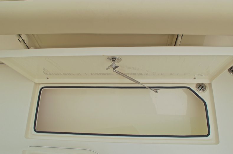 Thumbnail 22 for New 2016 Cobia 261 Center Console boat for sale in Vero Beach, FL