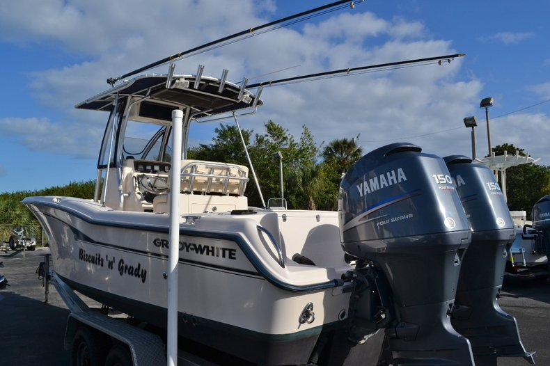 Thumbnail 4 for Used 2007 Grady-White 257 boat for sale in Vero Beach, FL