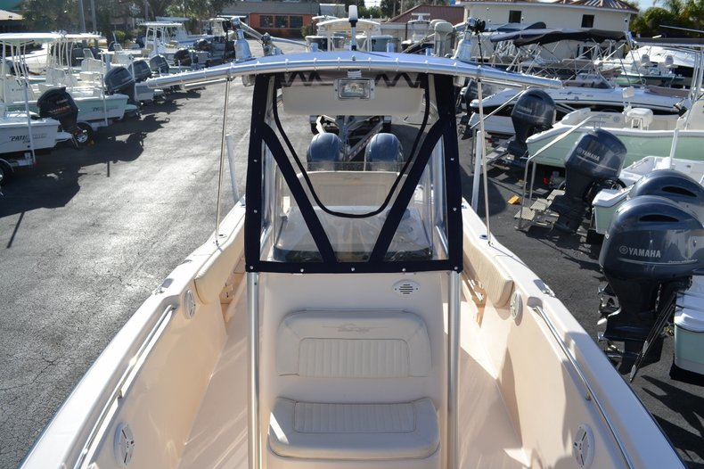 Thumbnail 15 for Used 2007 Grady-White 257 boat for sale in Vero Beach, FL