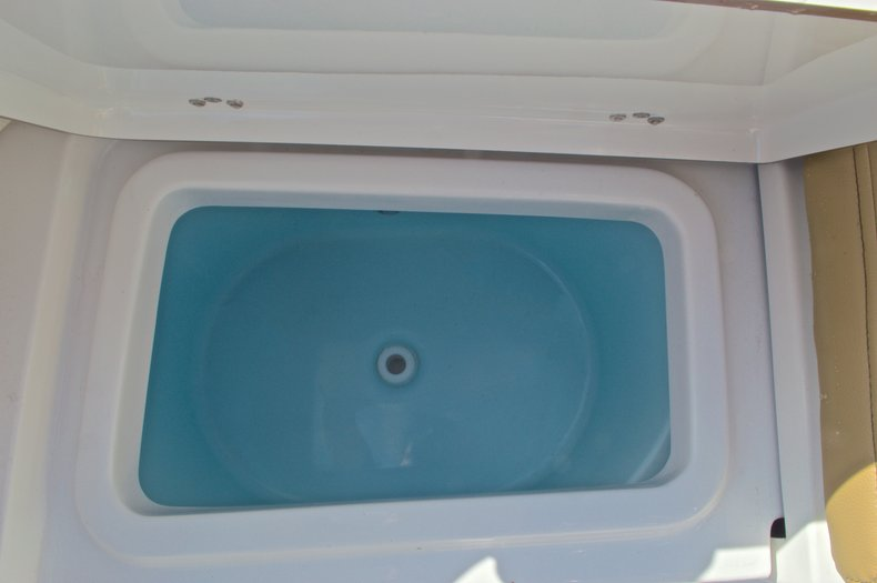 Thumbnail 12 for New 2016 Sportsman Heritage 231 Center Console boat for sale in Vero Beach, FL