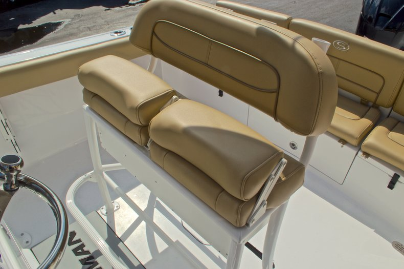 Thumbnail 21 for New 2016 Sportsman Heritage 231 Center Console boat for sale in Vero Beach, FL