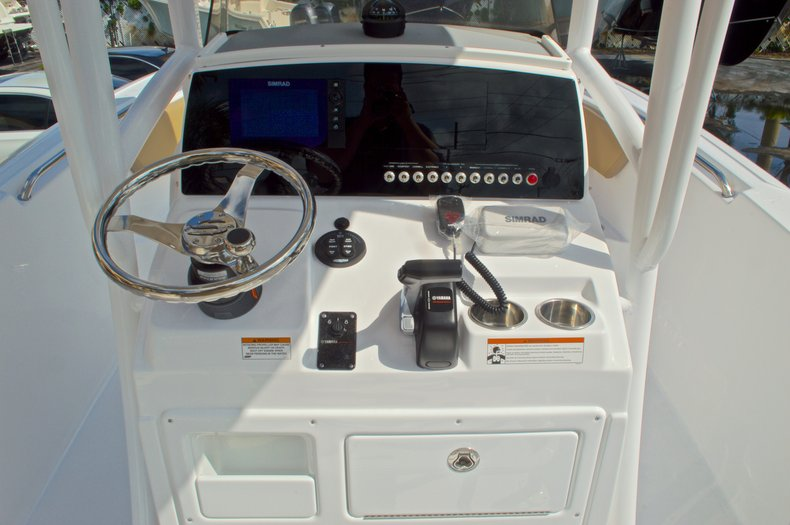 Thumbnail 23 for New 2016 Sportsman Heritage 231 Center Console boat for sale in Vero Beach, FL