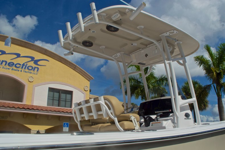 Thumbnail 8 for New 2016 Sportsman Heritage 231 Center Console boat for sale in Vero Beach, FL