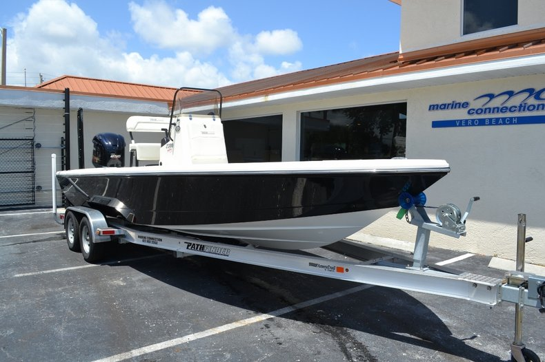 Thumbnail 1 for New 2016 Pathfinder 2300 HPS Bay Boat boat for sale in Vero Beach, FL