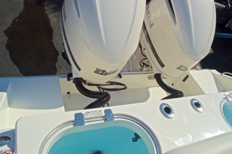 Thumbnail 25 for New 2016 Cobia 296 Center Console boat for sale in Vero Beach, FL