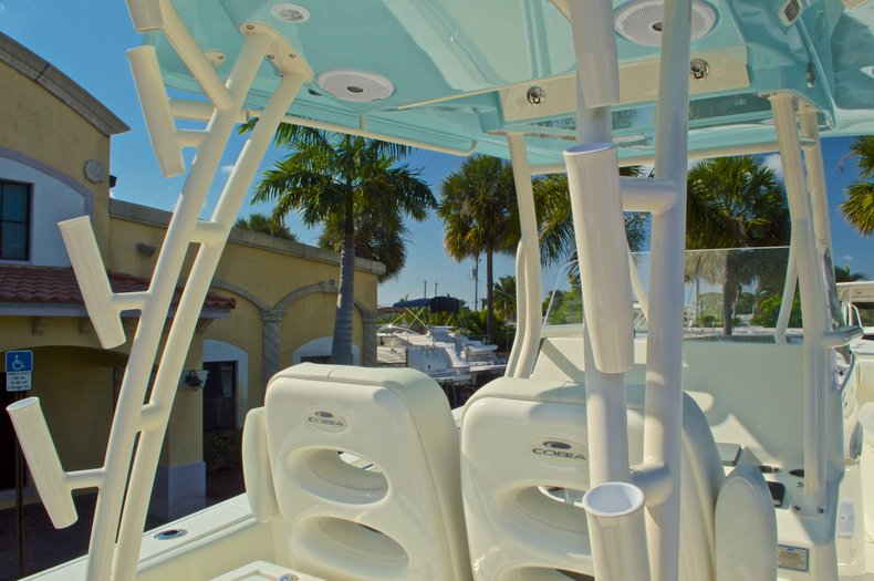 Thumbnail 44 for New 2016 Cobia 296 Center Console boat for sale in Vero Beach, FL
