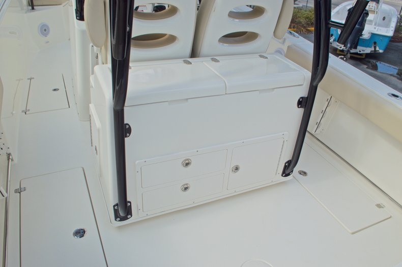 Thumbnail 30 for New 2016 Cobia 296 Center Console boat for sale in Vero Beach, FL