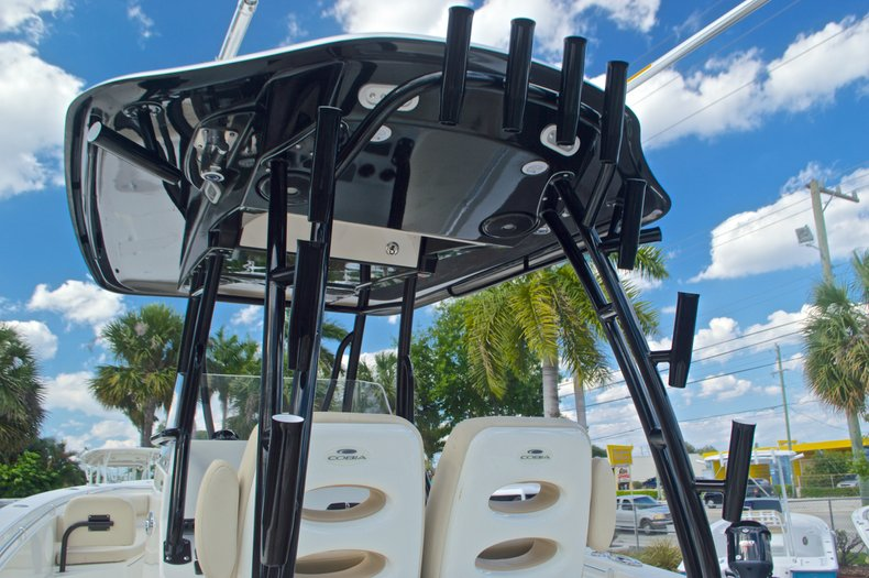 Thumbnail 29 for New 2016 Cobia 296 Center Console boat for sale in Vero Beach, FL