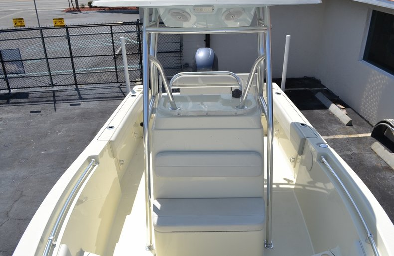 Thumbnail 16 for Used 2015 Release 208 RX boat for sale in Vero Beach, FL