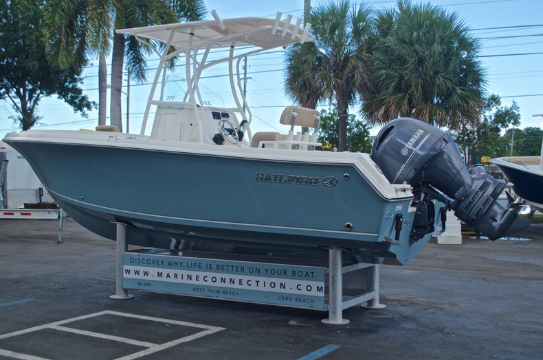 Thumbnail 5 for New 2017 Sailfish 220 CC Center Console boat for sale in Vero Beach, FL
