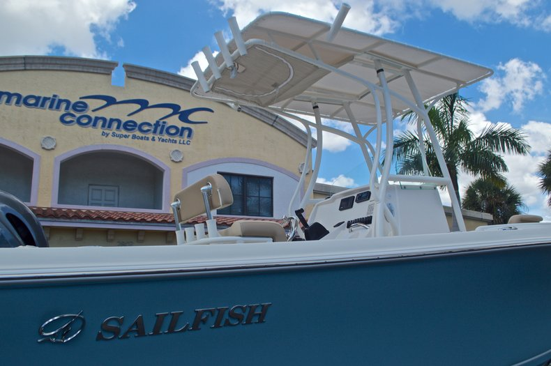 Thumbnail 8 for New 2017 Sailfish 220 CC Center Console boat for sale in Vero Beach, FL