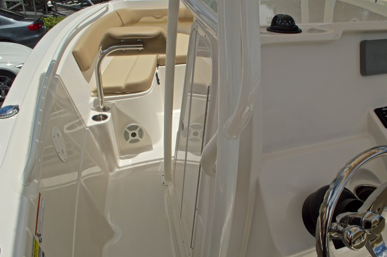 Thumbnail 33 for New 2017 Sailfish 220 CC Center Console boat for sale in Vero Beach, FL