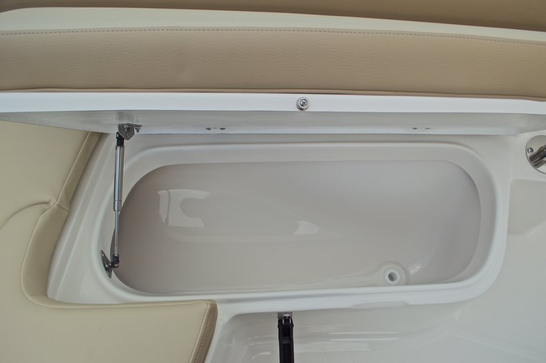 Thumbnail 41 for New 2017 Sailfish 220 CC Center Console boat for sale in Vero Beach, FL